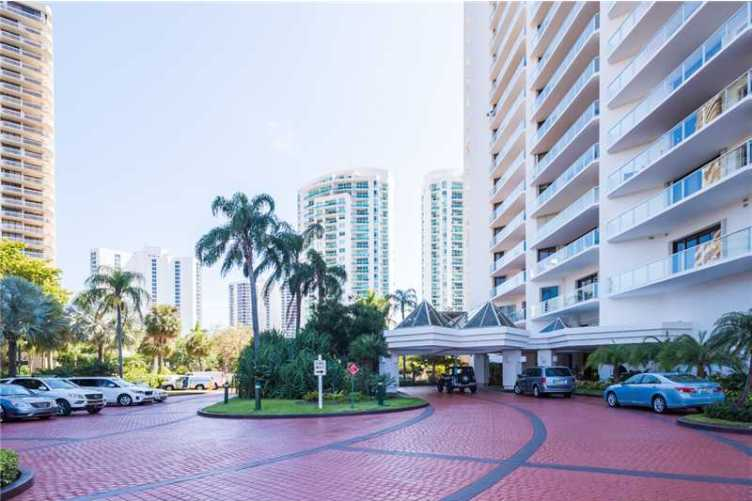 Marina Tower Of Turnberry Condos 4 For Sale Marina